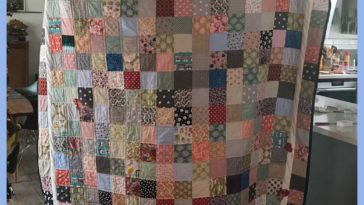 Full size quilt made of all the leftover squares from all the baby/kid quilts I've churned out over the last several years. Made an ok quilt I think. Finished today ❤️